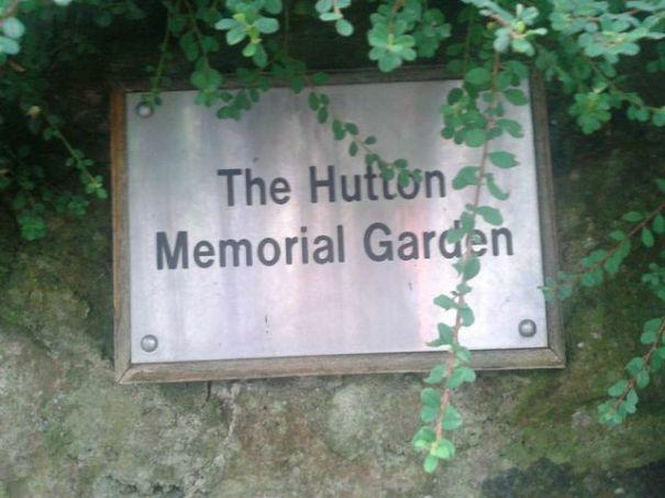 Hutton_sign