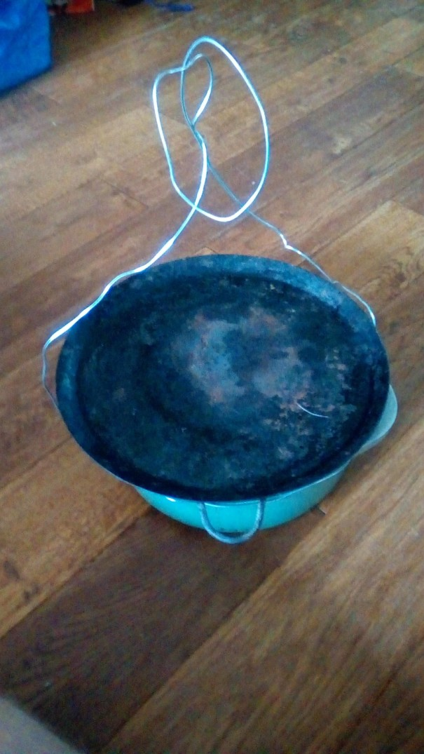 Dutch oven with griddle pan as lid